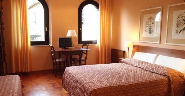 Toscane -  Hotel Bel Soggiorno San Gimignano - Camera Matrimoniale lato Centro Storico