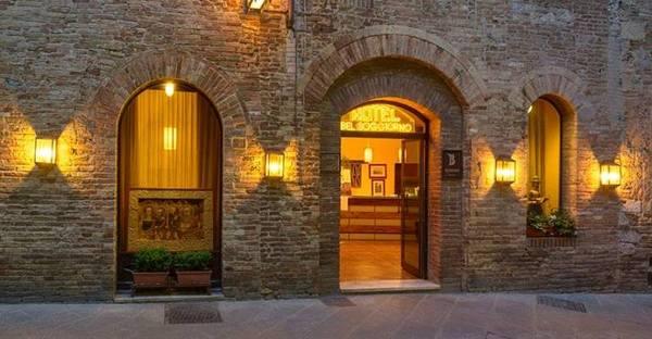 Toscane - Hotel Bel Soggiorno San Gimignano Entrata Centro Storico