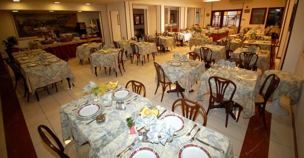 Toscane - HOTEL BELLA RIVIERA - Sala Ristorante - Viareggio (LU)