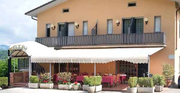 Toscane - HOTEL TRE CASTELLI in Località Colle Acinaia 8 - Gallicano (Lucca)