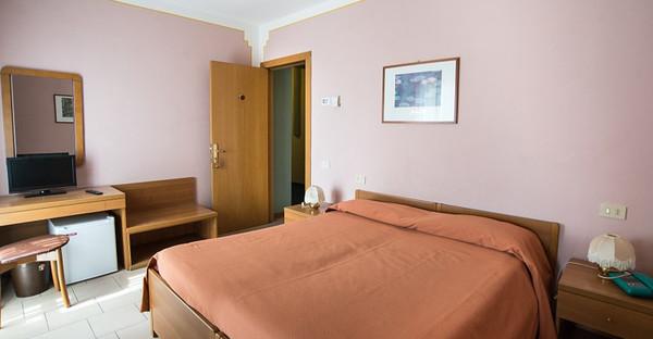 Toscane - HOTEL TRE CASTELLI sulla strada che porta in Garfagnana - Gallicano (Lucca)