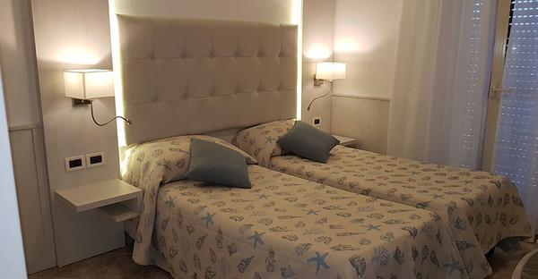 Toscane - HOTEL BELLA RIVIERA - Camere singole e con doppio letto - Viareggio (LU)